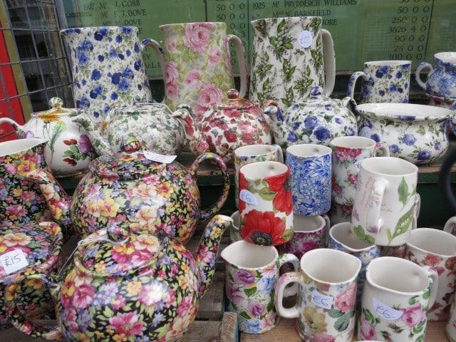 Portobello Road Tea Pots. A Taste of London in 44 Hours