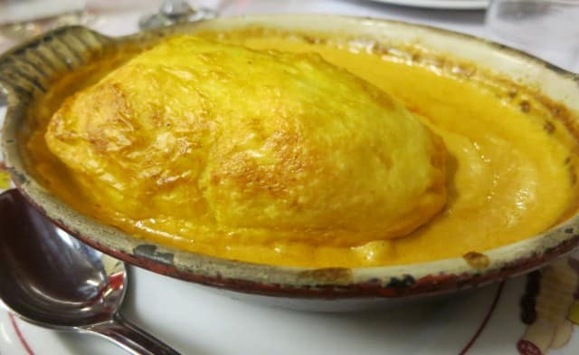 Quenelle de Brochet at Cafe des Federation in Lyon France