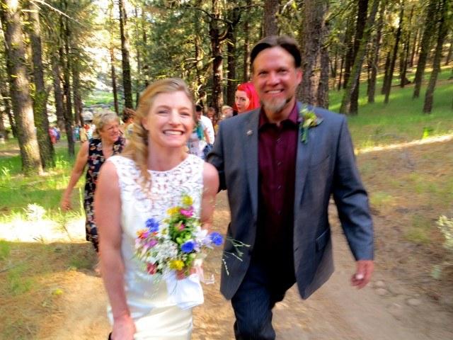 Wedding Couple Sierra Foothills