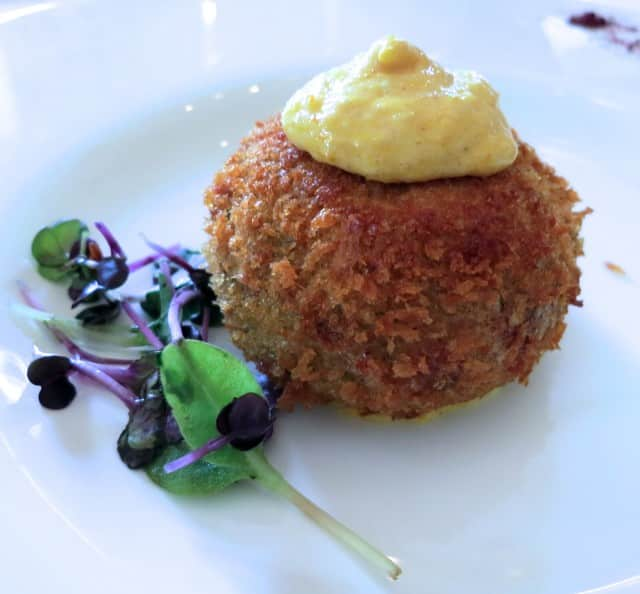 Starter - Carlingford Crab Cake with Pickled Cucumber, Aioli and Herb Salad Dublin Day Trip