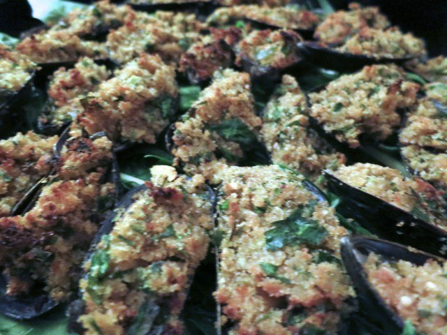 Mussels with Bread Crumbs, Garlic and Parsley
