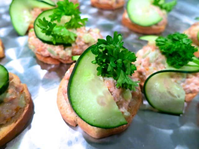 Canapés with Cucumbers and Hot Dog Spread