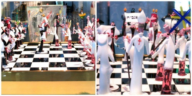 Chess Set by Gianni Toso, circa 1981 at The Corning Museum of Glass