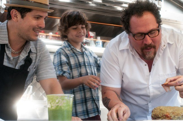 Scene from Chef with John Leguizamo, Emjay Anthony and Jon Favreau