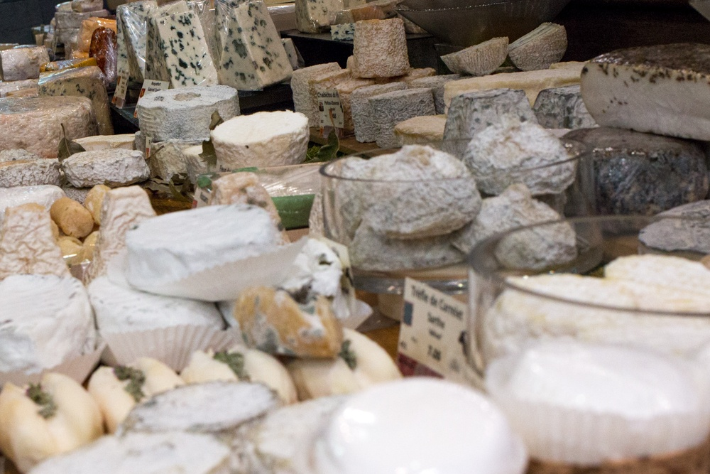 MOF Fromager Androuet features a wide variety of world class cheeses. During the Context Baguettes to Bistro tour we sampled a number of varieties including Roquefort Blue, Aged Comté and Fresh Chèvre (Goat Cheese) from Provence. Paris Food Tour