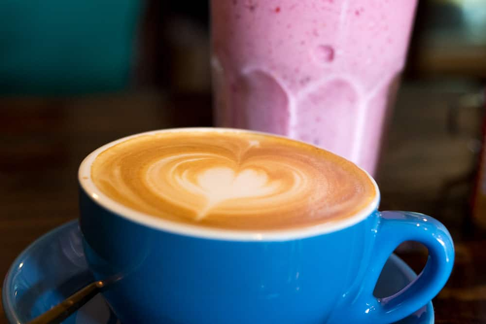 Why settle for coffee when you can enjoy a coffee and a smoothie like this beverage combo at The Larder Cafe? What to Eat in Chiang Mai - A Chiang Mai Food Guide 2foodtrippers
