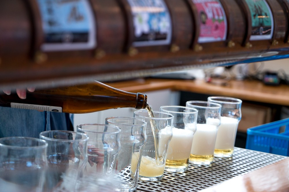 Craft beer is alive and well in Sweden! Nynäshamns Ångbryggeri produced 800,000 liters of beer last year and is Sweden's fourth largest microbrewer. Tasting the Flavors of the Archipelago in Nynashamn Sweden