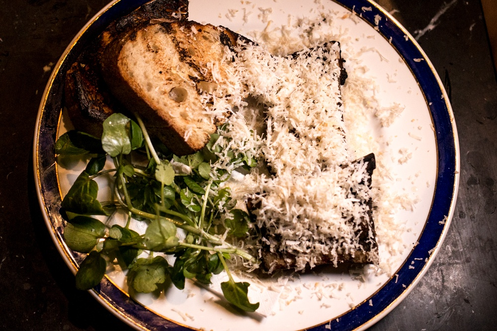 We couldn't resist ordering a starter to get the dinner party starter. We shared some bone barrow slathered over grilled sourdough bread and smothered with grated horseradish. Experience London from Above and Below