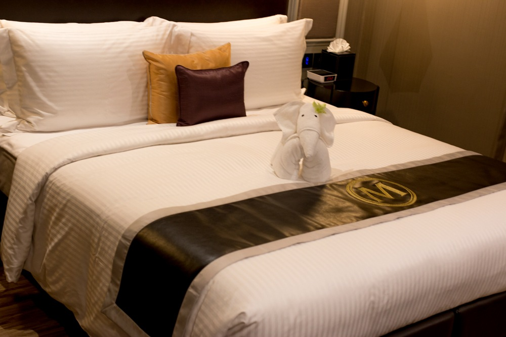 Metropole Bangkok Luxury Hotel Room