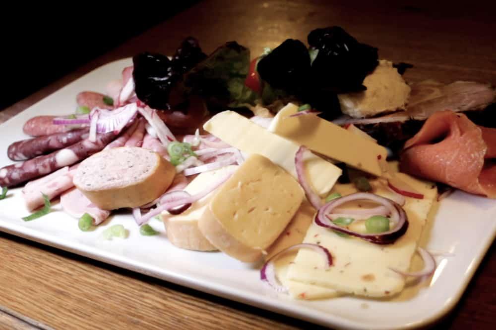 beer-food-germany-platter-2foodtrippers