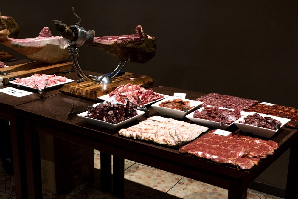 Ham Session - Where to Eat in Girona Spain - A Girona Food Guide