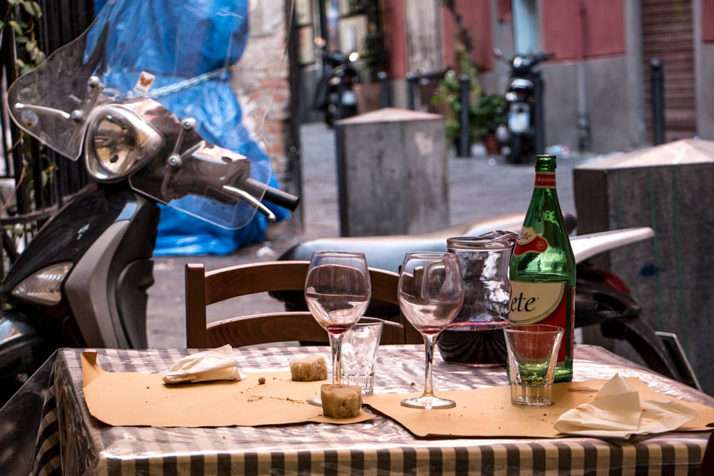 Alfresco Dining in Naples Italy