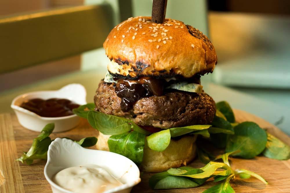 Hamburger at Za Lokal in Bucharest Romania