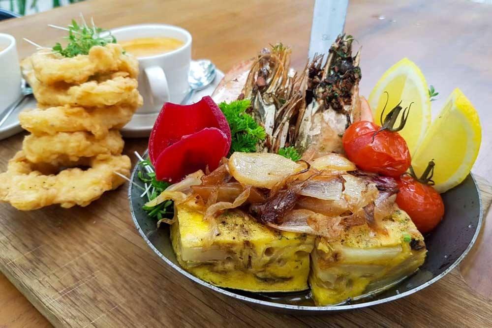 Azure Lunch - Kandima Maldives