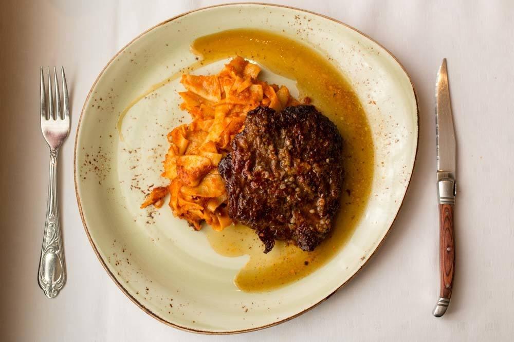 Rosenstein Garlic Steak - Budapest Restaurants