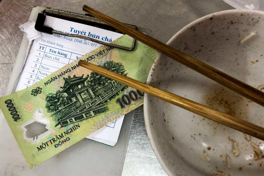 Vietnamese Food and Money