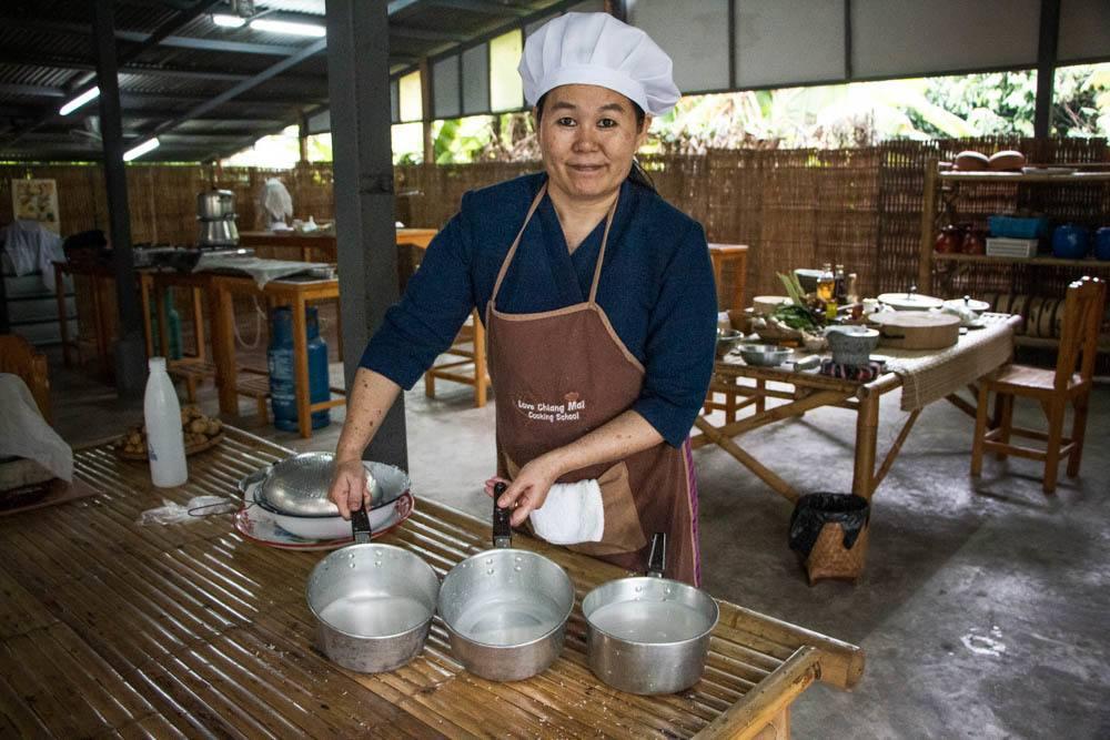 Love Chiang Mai Cooking Class Demo
