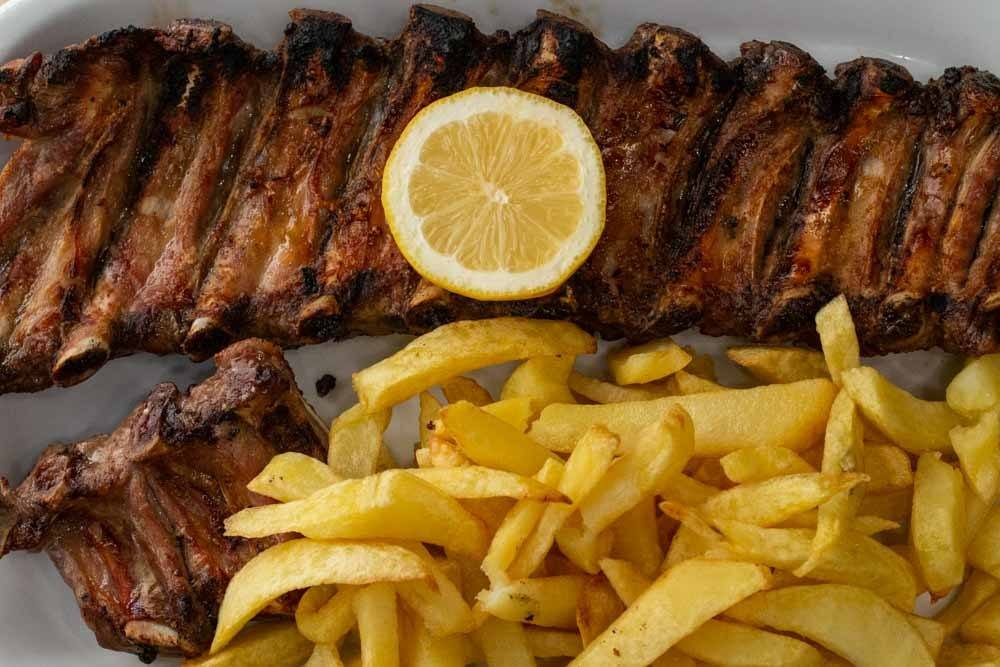 What to eat in Lisbon - Pork Ribs