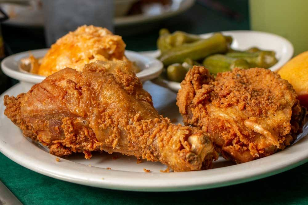 The Best Memphis Restaurants and Bars for a Weekend Getaway