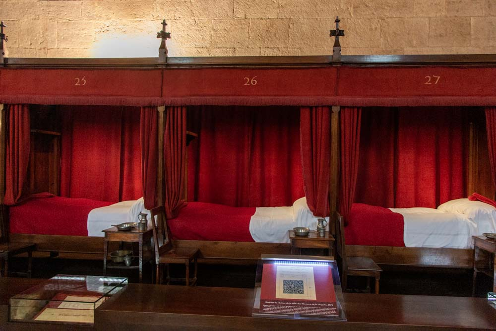 Hospice Beaune Beds