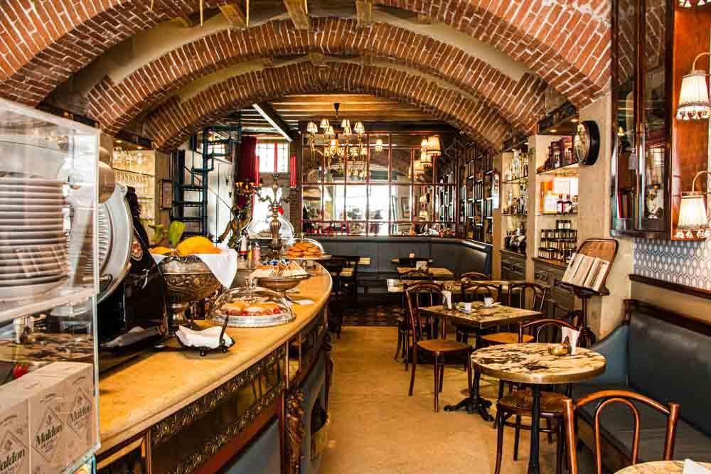 Cafe Caruducci Dining Room in Verona Italy
