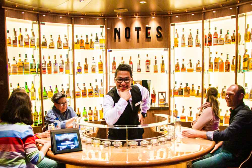 Notes Bar on Nieuw Statendam Holland America Norway Cruise