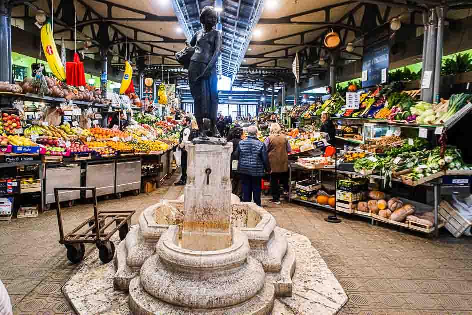 Modena Market Statue