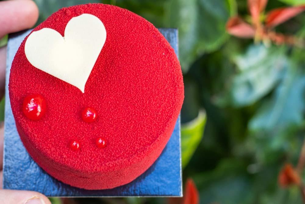 Equinoxe Saint Valentin at La Patisserie Cyril Lignac in Paris