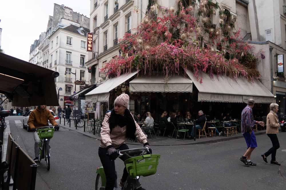 Cyclist in Paris