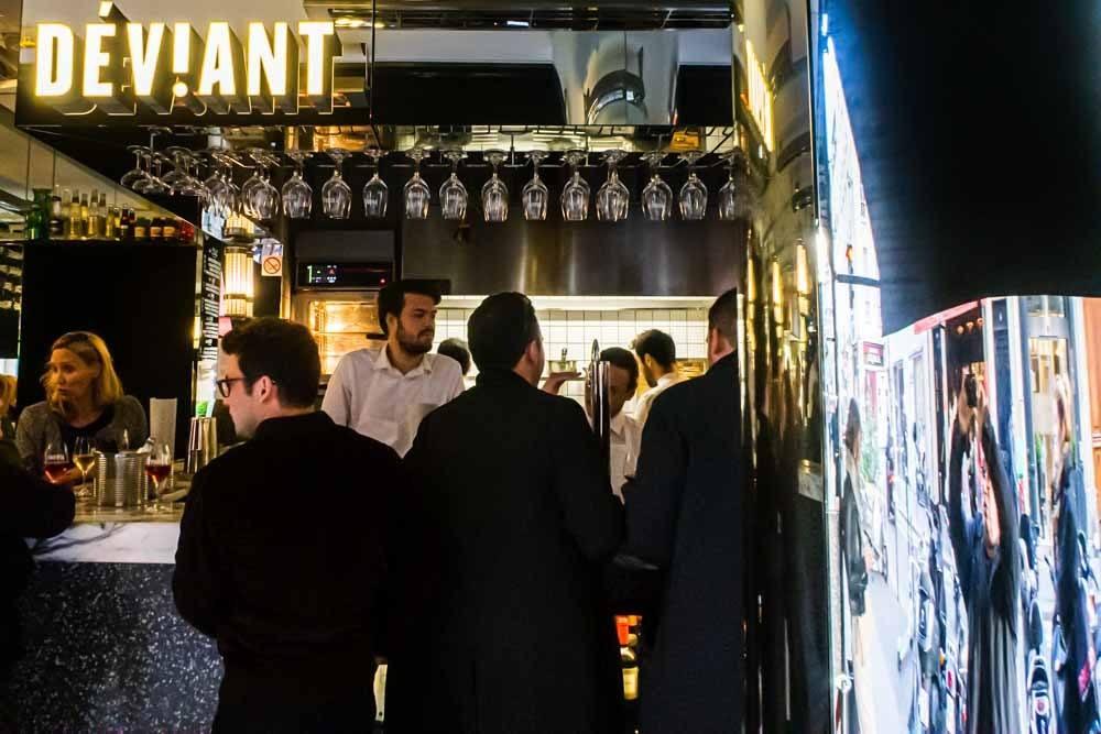 Deviant in Paris