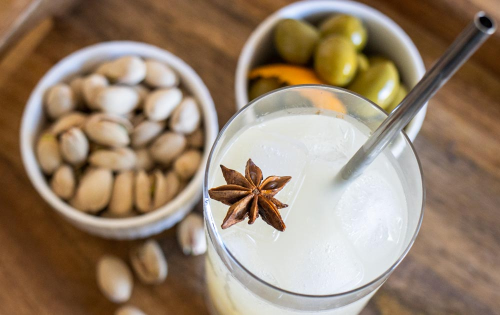 Mauresque Cocktail with Olives and Nuts