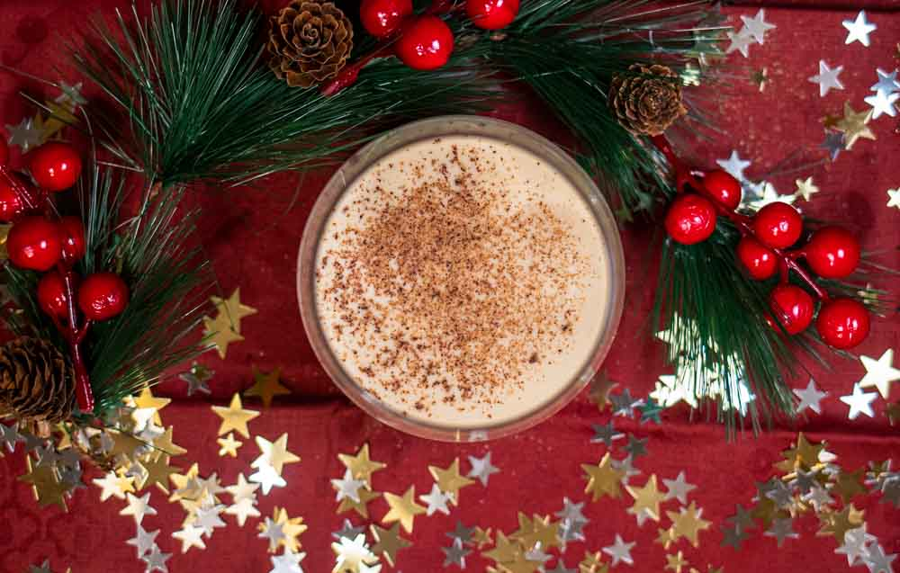 Bourbon Eggnog with Stars and Wreath