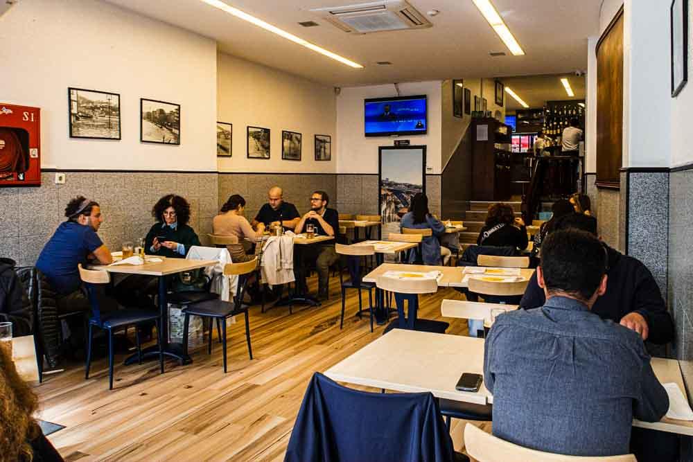 Cafe Santiago in Porto