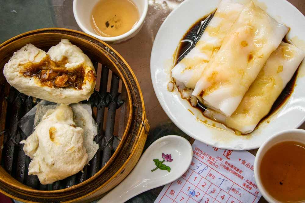 Dim Sum at Lin Heung Tea House in Hong Kong (1)