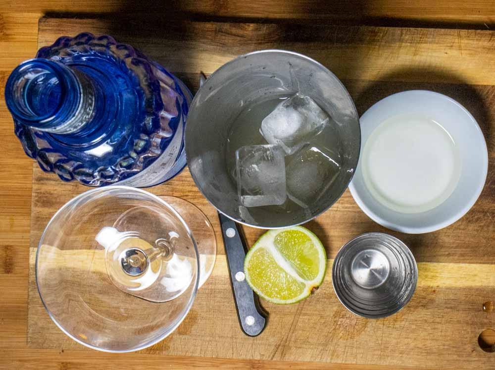 Gin Gimlet in Shaker