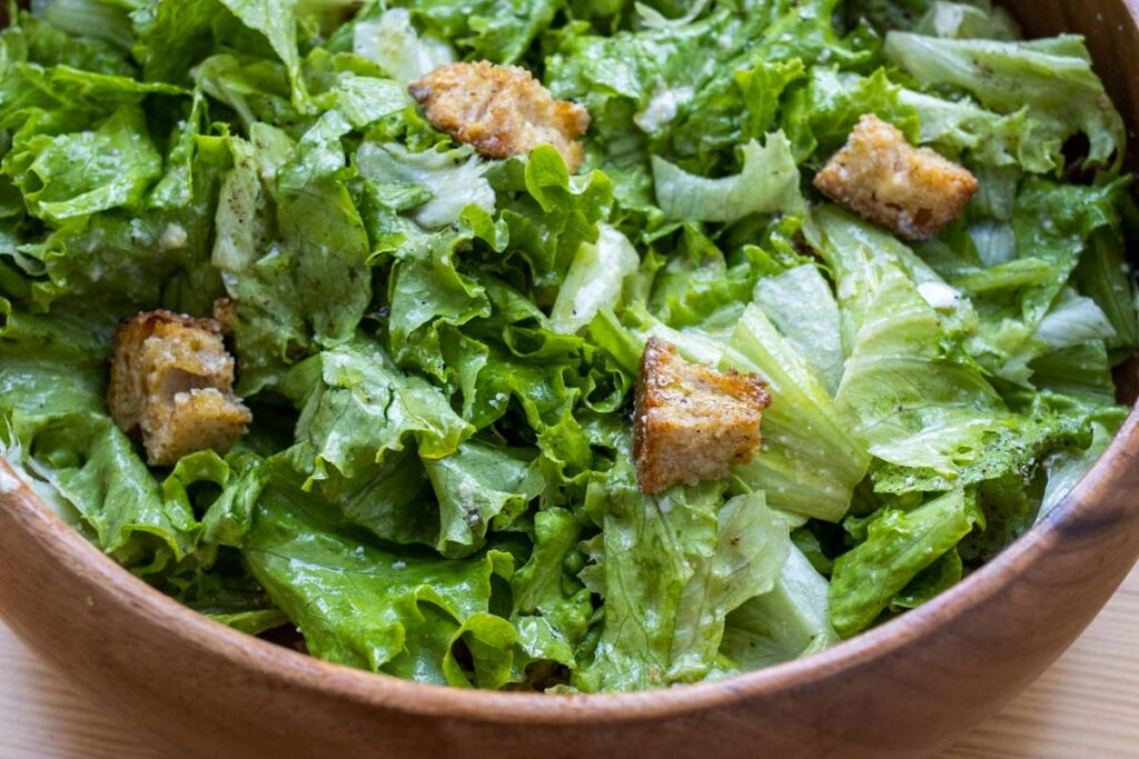 How to Make a Caesar Salad at Home