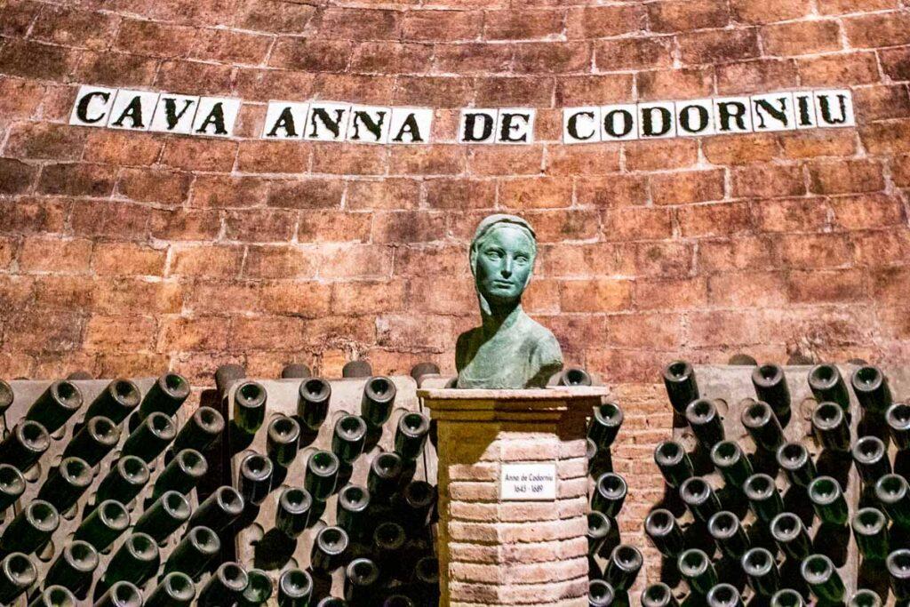 Statue at Codornia Cava House