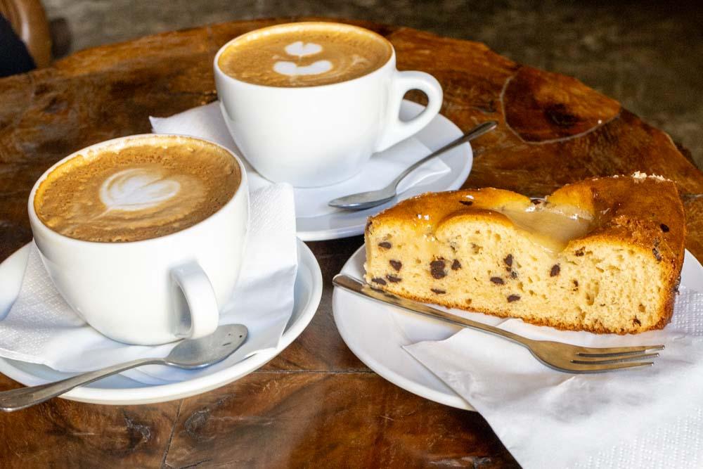 Coffee and Cake at SimBIOsi Coffee in Florence