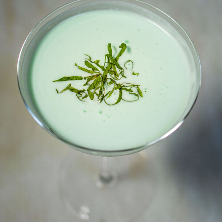 Grasshopper Cocktail with Mint Centered