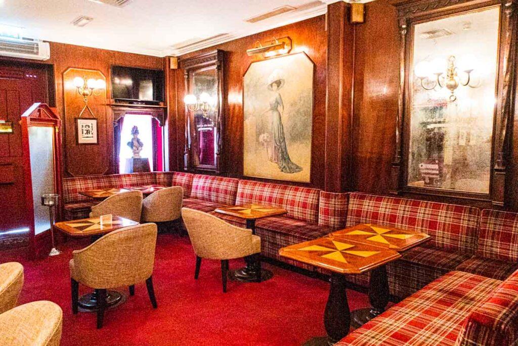 Cafe de Sao Bento - First Floor Dining Room