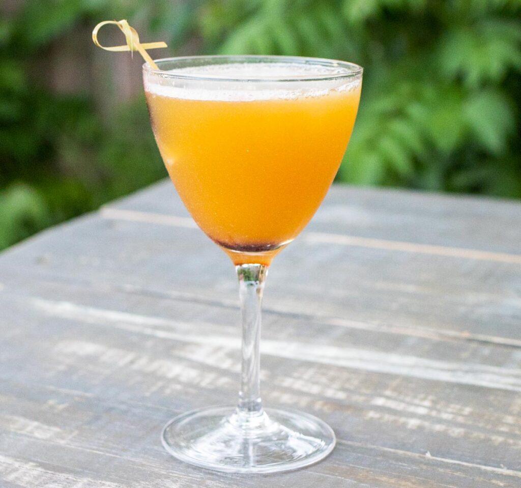 Cocktail at Lis Bar in Kingston
