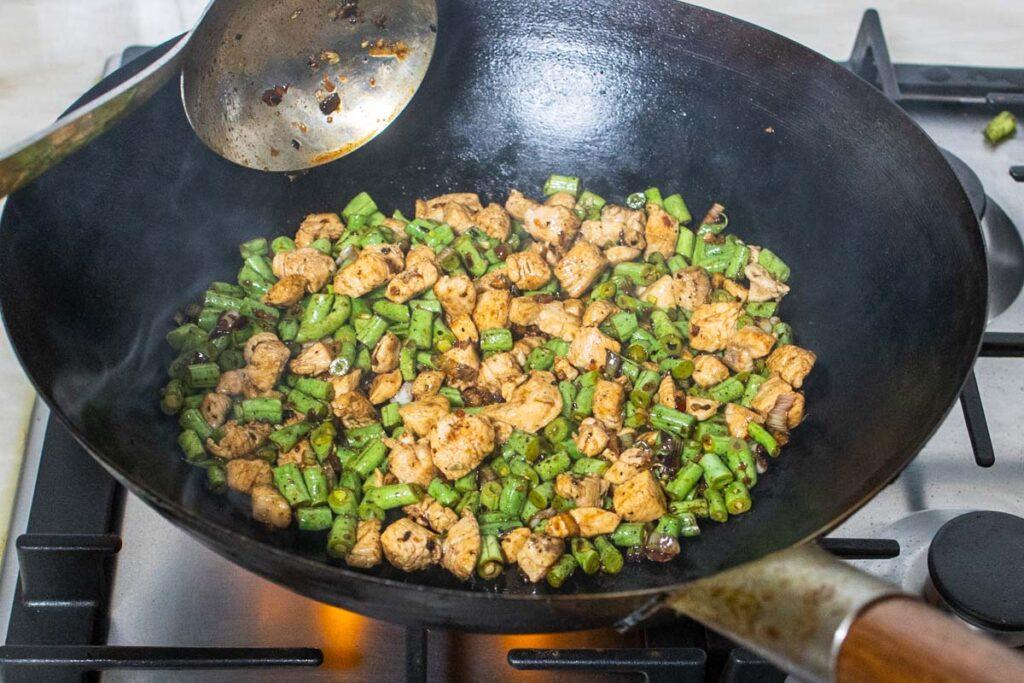 Dry Stir Fry of Hunan Chicken